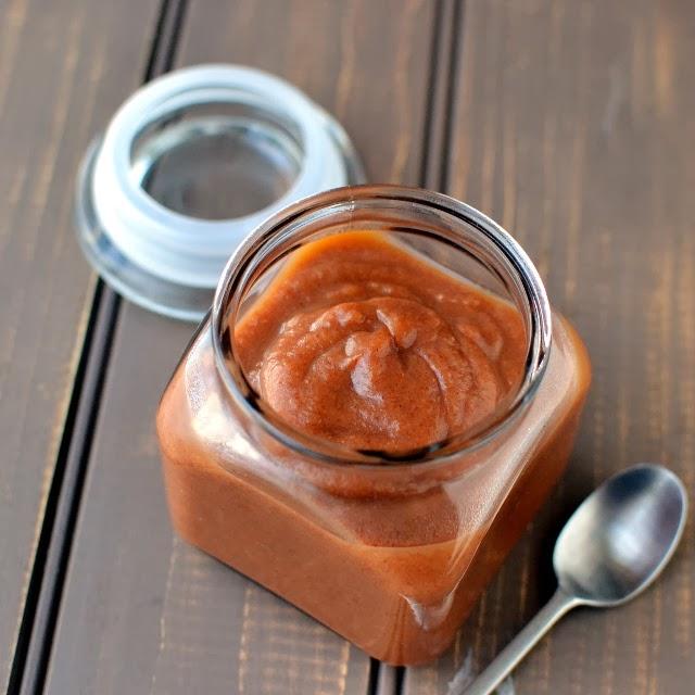 Sweet Chutney for Chaats (Date-Tamarind Chutney)