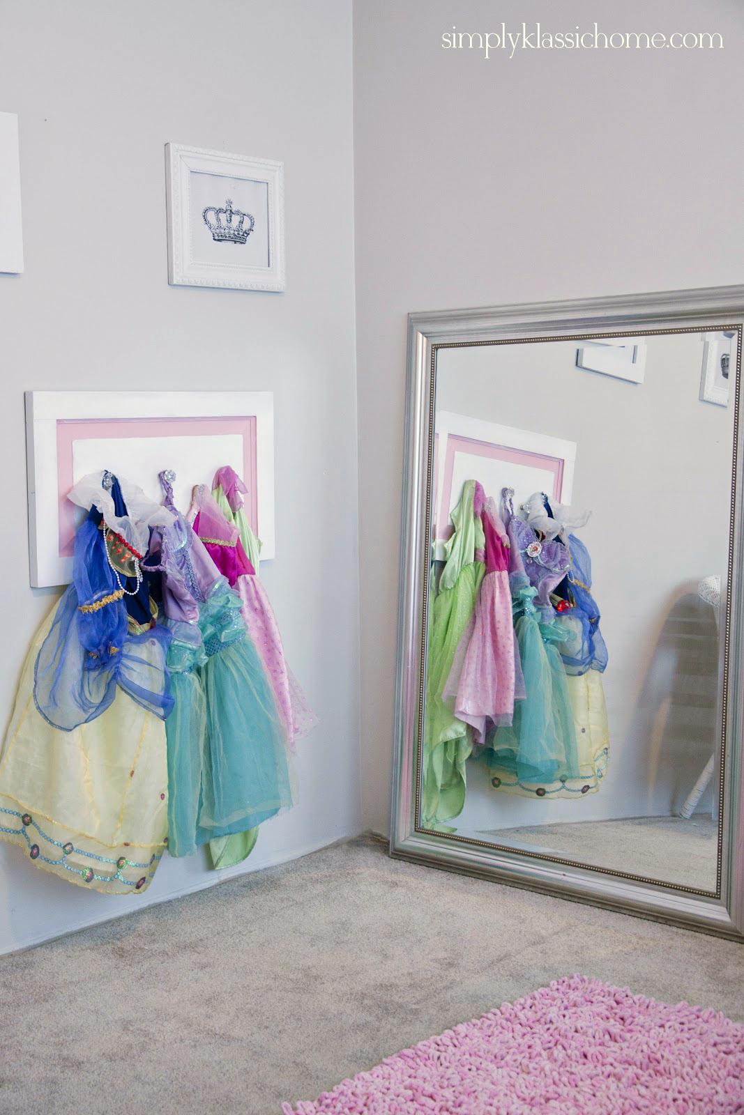 Princess dressing area little girl 39 s room details for Dressing a bedroom