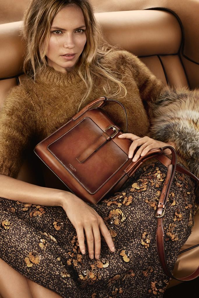 Natasha Poly in Michael Kors Fall/Winter 2015 campaign (photography: Mario Testino) / best fashion ad campaigns fall/winter 2015 / via fashioned by love british fashion blog