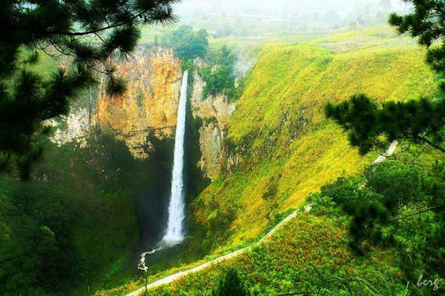 objek wisata Air Terjun Sipiso Piso 2