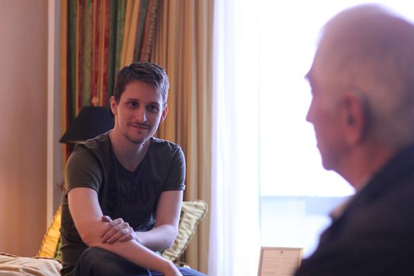Τι έπαθε ο Edward Snowden..
