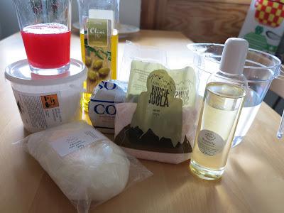 kasvoille tarkoitetun suolasaippuan valmistusaineet