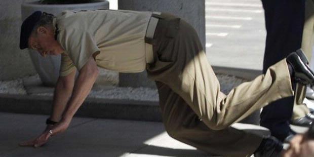 Raja Spanyol, Juan Carlos, terjatuh