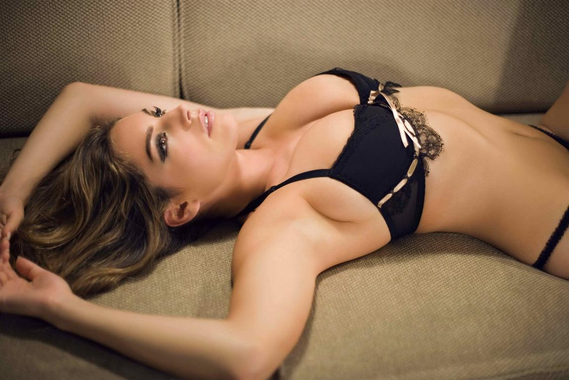 http://1.bp.blogspot.com/-9O4J6FGsa8Y/UFNgCF_4wmI/AAAAAAAAA74/KlSLK-8GTCE/s1600/kelly+brook+pictures.jpg