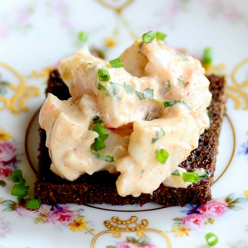 spicy shrimp (or lobster) remoulade on molasses-butter toast