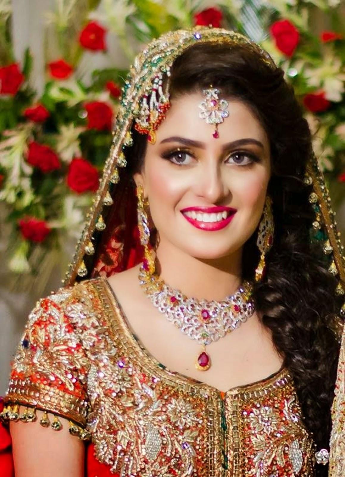 Ayeza Kha Aiza Pakistani Female Television Actress Celebrity Wallpapers Free Download Free Download
