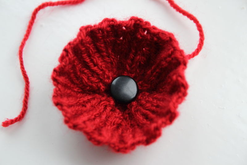 Knitting Pattern For Poppy Brooch : Debs Dust Bunny: Woolly Flowers for Christmas