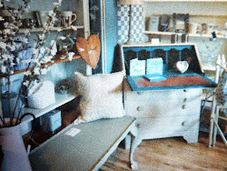LITTLE BLUE BARN COUNTRY & VINTAGE EMPORIUM