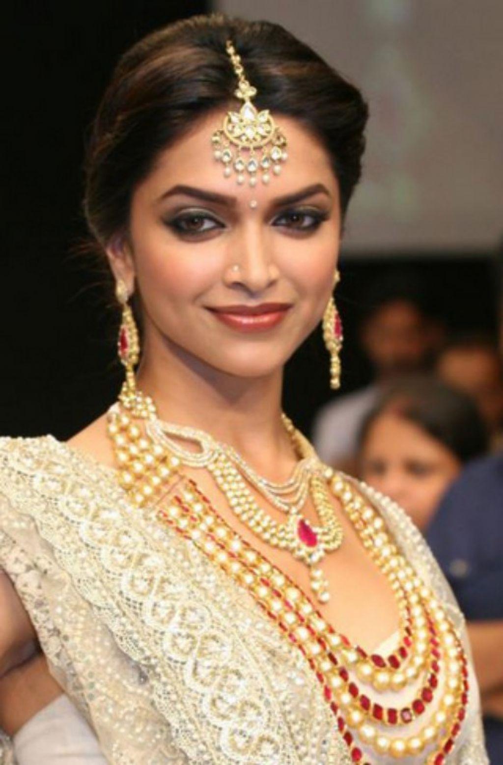 Bridal Deepika Padukone Hairstyle Smarthairstyle