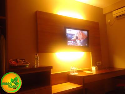 Ini Kamar 522 Lantai 5, kamar saya dan pak Nanang.