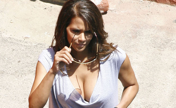 did halle berry get a boob job
