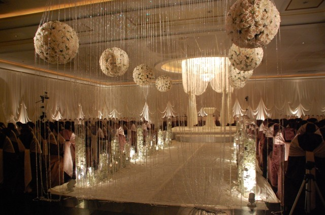 Mind blowing aisle decor belle the magazine for Aisle decoration for wedding