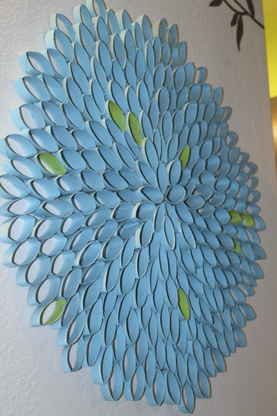 die wohngalerie wandschmuck der g nstigen art toilettenpapierrollen. Black Bedroom Furniture Sets. Home Design Ideas