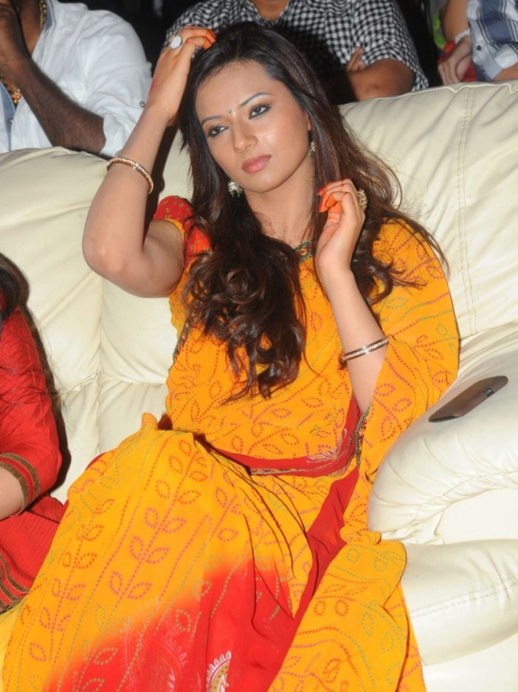Isha Chawla in saree - Isha Chawla in Yellow - Orange Saree at event