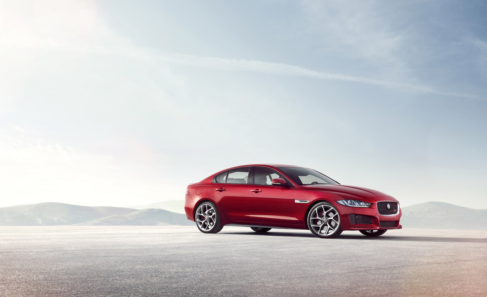 new 2016 jaguar xe sports saloon 52 hd photos and full. Black Bedroom Furniture Sets. Home Design Ideas