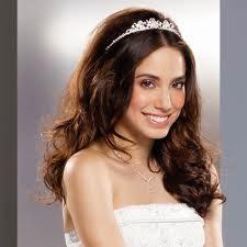 Peinados de novia con tiara y velo Fotos de los mejores looks (Foto 5