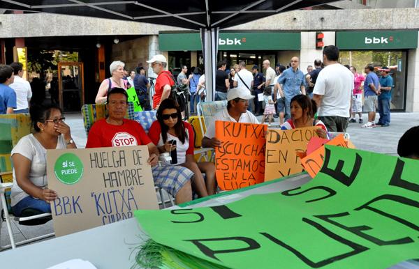 El ventano afectados por desahucios inician una huelga de for Bankia oficinas zaragoza