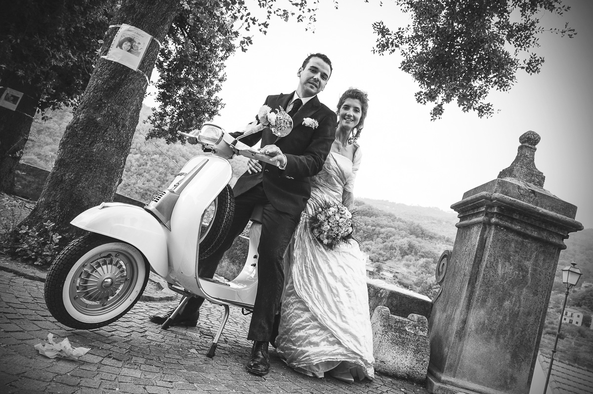 Matrimonio In Vespa : Sposine il della sposa matrimonio in versilia