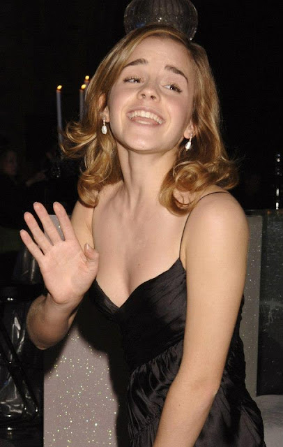 Just4Celebs - fresh links of celebrities: Emma Watson Rare Pictures