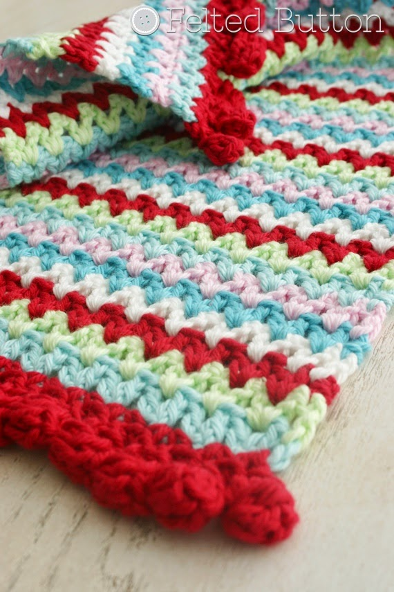 V-Stitch Placemat & Napkin Ring from Susan Carlson of Felted Button (FREE crochet pattern)