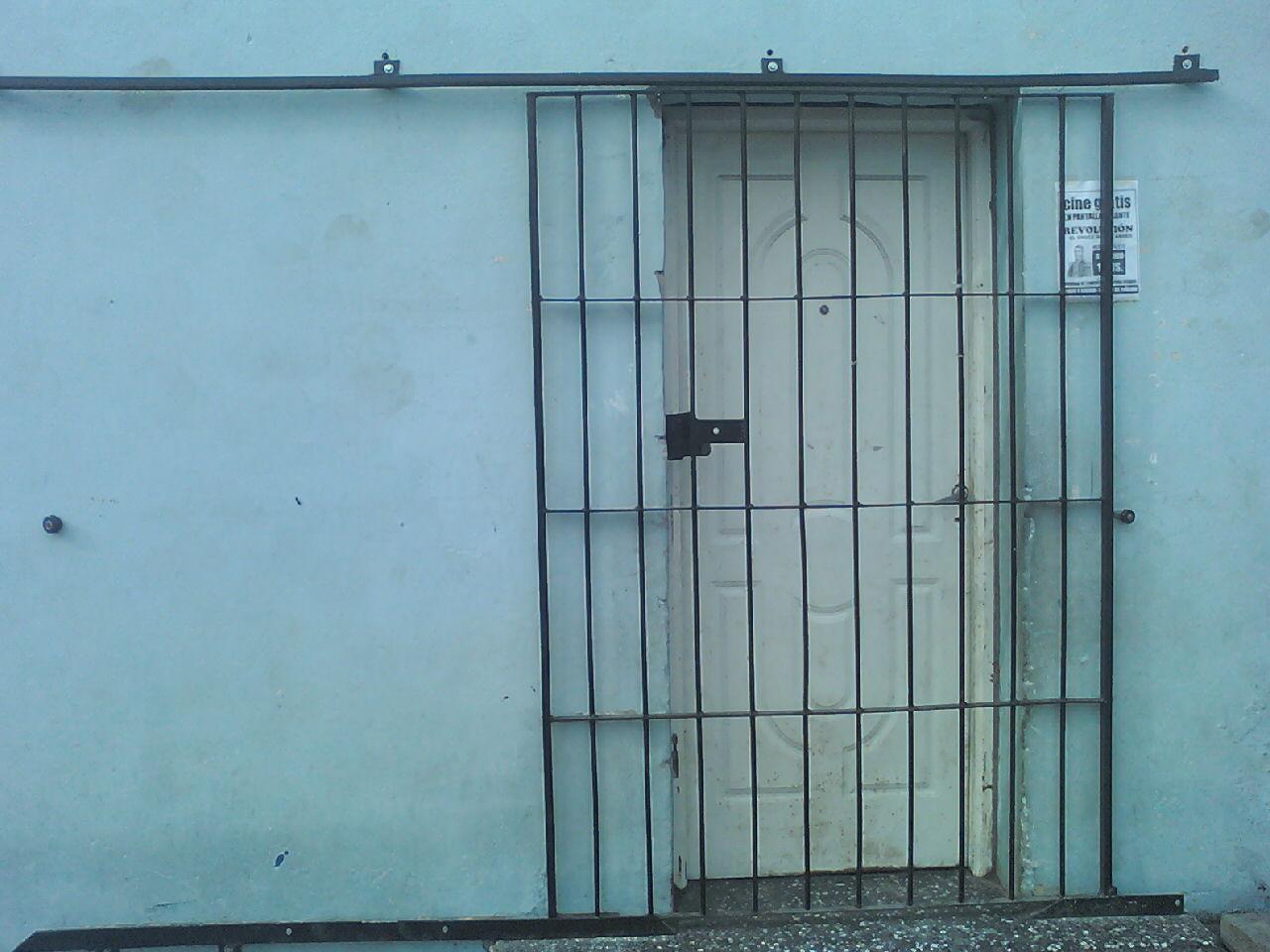 Especialista en mantenimiento y herreria trabajo de for Puertas de reja