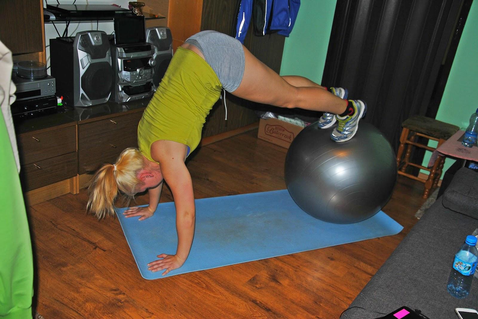 piłka, ball, yoga, joga na piłce