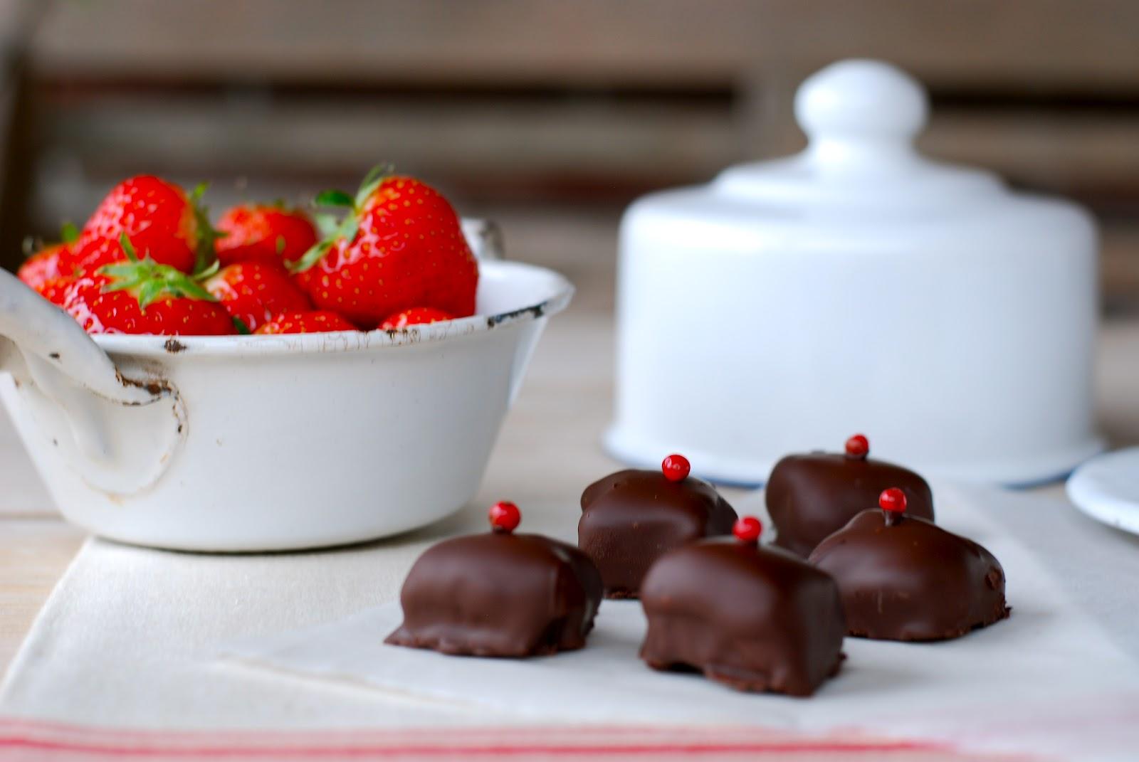 In de keuken: Aardbeienbonbons (met roze peper)