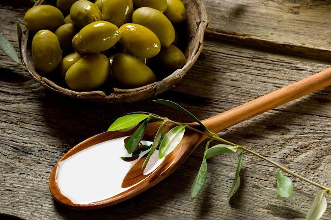 6 công dụng tuyệt vời của dầu oliu đối với làn da