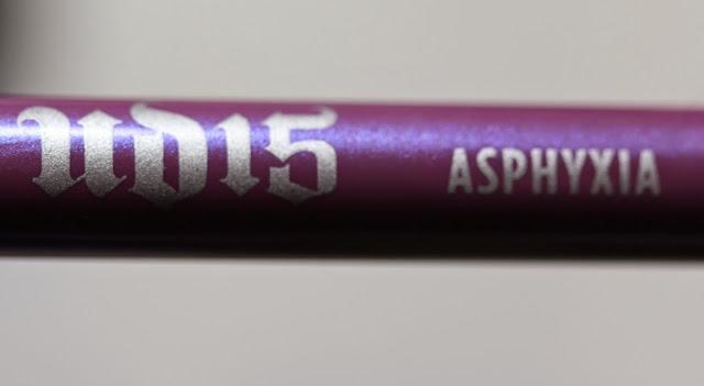 Urban Decay 24/7 Glide-On Eye Pencil in Asphyxia