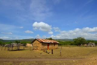 Paisaje cerca de Fonseca, Baja Guajira. Ruta del Vallenato. Que pena con usted,