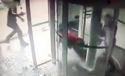 Brazilian bank guard shoots robbers