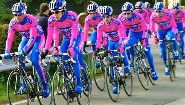 Ciclismo - Allenamento in gruppo
