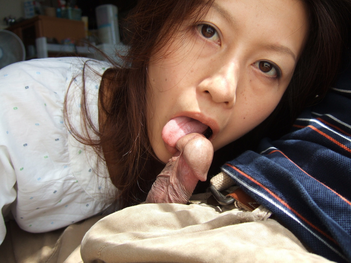 Asian girls eat sperm