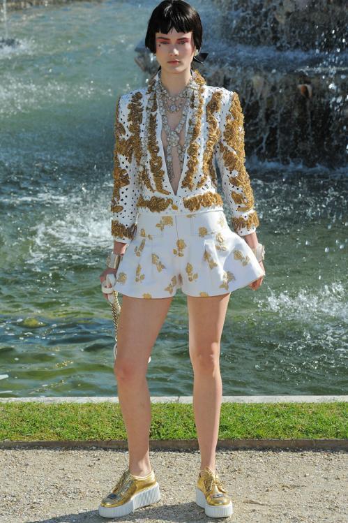 Chanel Cruise 2013 Aline Weber Cara Delevingne