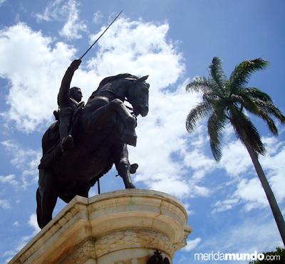 Estatua Ecuestre de Simón Bolívar, Plaza Bolívar de Mérida, Venezuela