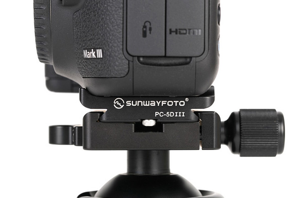 Sunwayfoto PC-5DIII plate on Canon 5D Mk III side-view