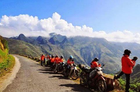 Đi xe máy lên Đồng Văn  Hà Giang