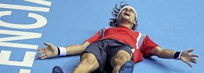 TENIS-Ferrer vence en Valencia, Del Potro sorprende en Basilea y Serena es la maestra
