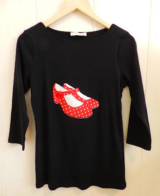 Camisetas patchwork, patchwork, aplicaciones, Feria de Abril, feria de abril, camisetas zapatos de flamenca, zapatos andaluces, camiseta zapatos patchwork, flamenco, zapatos flamenco