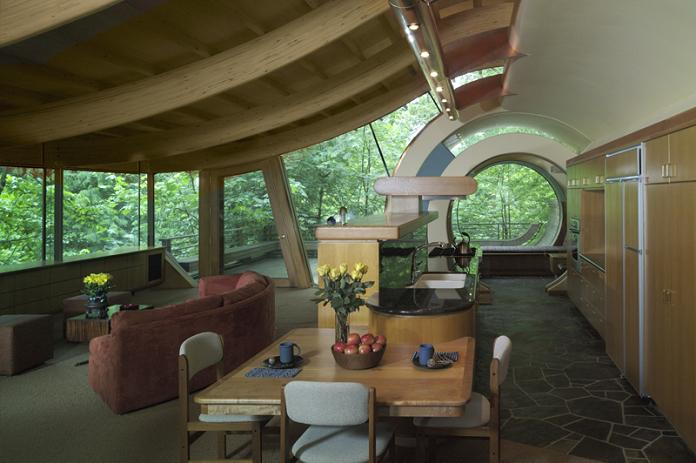 World of mysteries canopy living the ultimate tree house for Robert oshatz architect