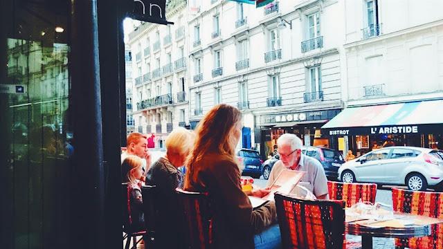 Dehor del Relais Gascon, Montmartre, Parigi