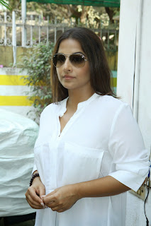 Vidya Balan Spotted in Cute Spicy Transparent White Shirt at Acting Workshop by Mukesh Chabaria