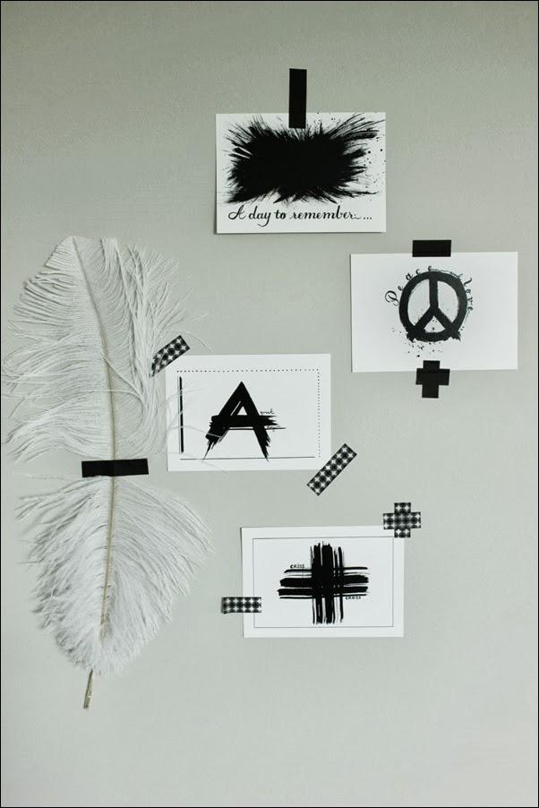 tavlor i svart och vitt, prints svartvita med text, kors på vykort, bläckstänk på vykort, peacemärke med text, vykort med svartvitt tryck, coola prints i svartvitt, prints att sätta upp med washitejp, inspiration prints, tryckta vykort, artprints