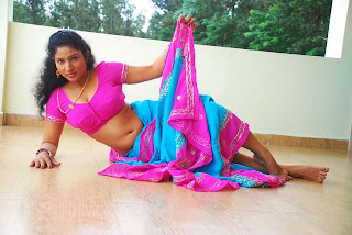 Kalla Parunthu Tamil Movie 2011  Stills 21.jpg