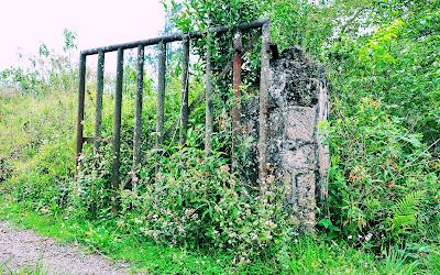 La puerta de Hierro (Entrada hacia los verdes prados)