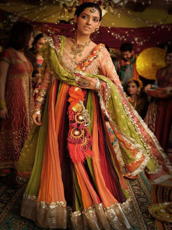 Mehndi Clothes Design : Mehndi dresses for girls dress designs best