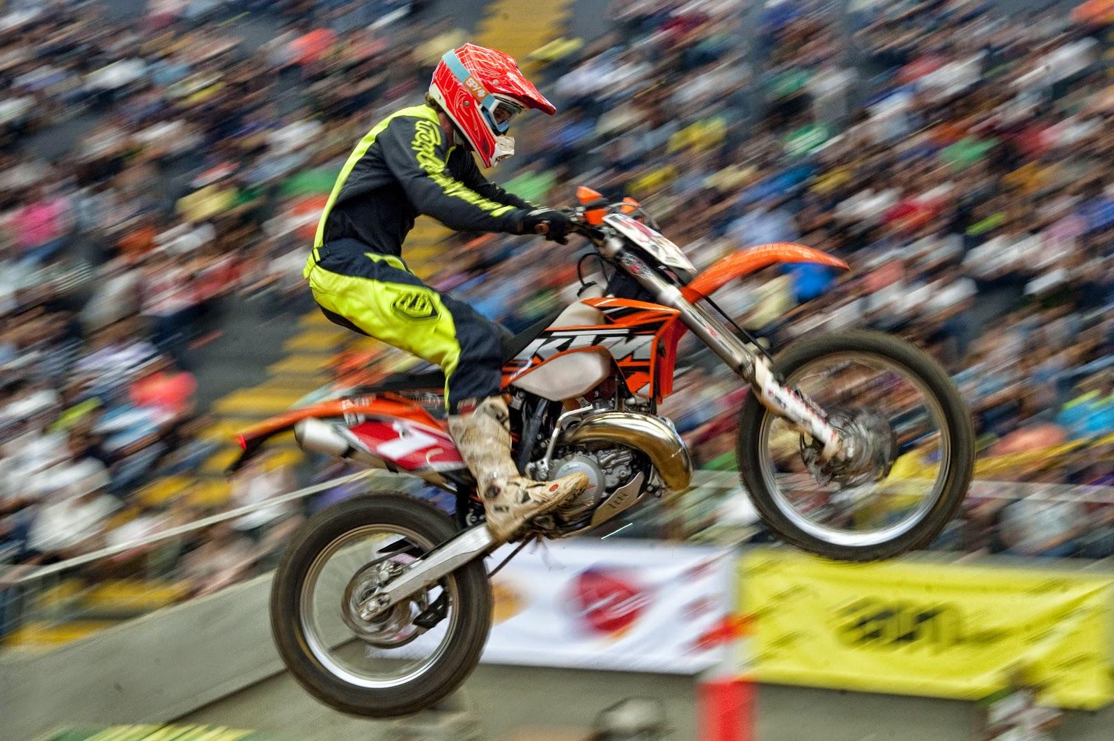 Enduro Cross International in Medellin HD Pictures