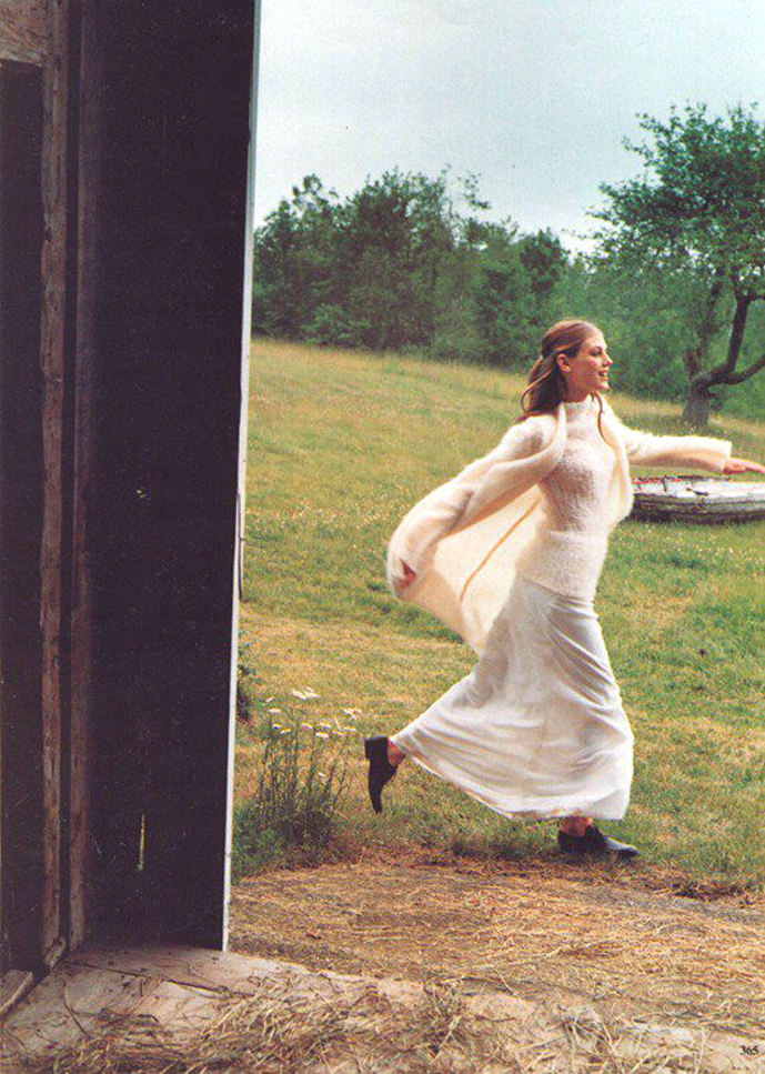 Angela Lindvall in Great lengths / Vogue US October 1998 (photography: Carter Smith, styling: Paul Cavaco) via fashioned by love / british fashion blog