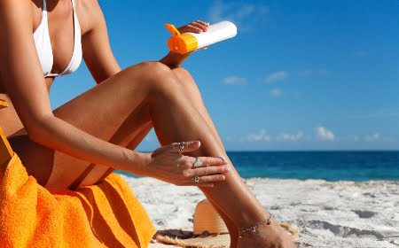 Козметика за защита от UV лъчите на слънцето