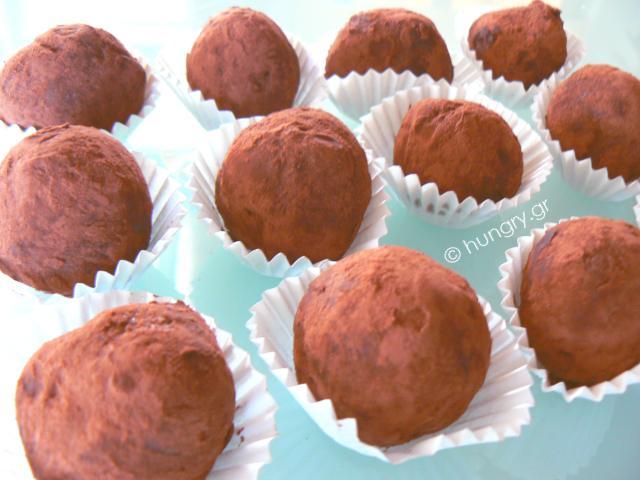 Τρούφες Σοκολάτας με Κράνμπερι